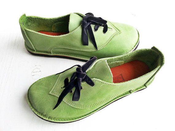 UK 6, handgemaakte Damesschoenen, Fairytale schoenen BINKY 2996 meigroen