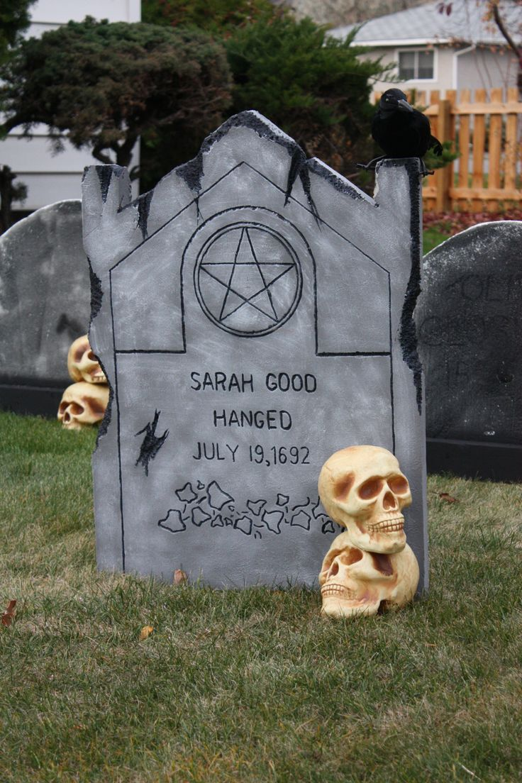 how to do a yard display of the salem witch trials for halloween google search - Good Halloween Decorations