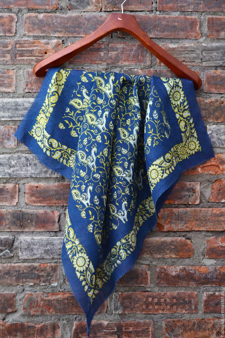 """Купить Платок """"золото на голубом"""" - платок, кубовая набойка, ручная набойка, набойка, индиго"""