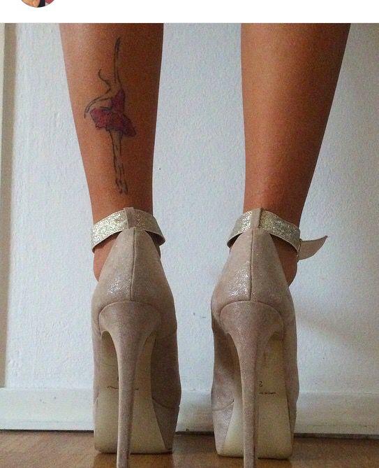 Women leg placement for tattoo