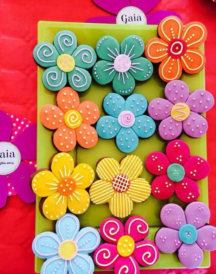 Decorated cookies by dolcecomemiele Inst:@fede_dolcecomemiele Fb:@dolcecomemiele