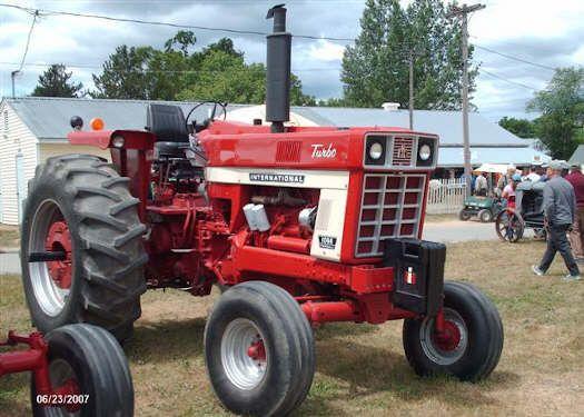 1066 International Tractor | Tractor Show 2007