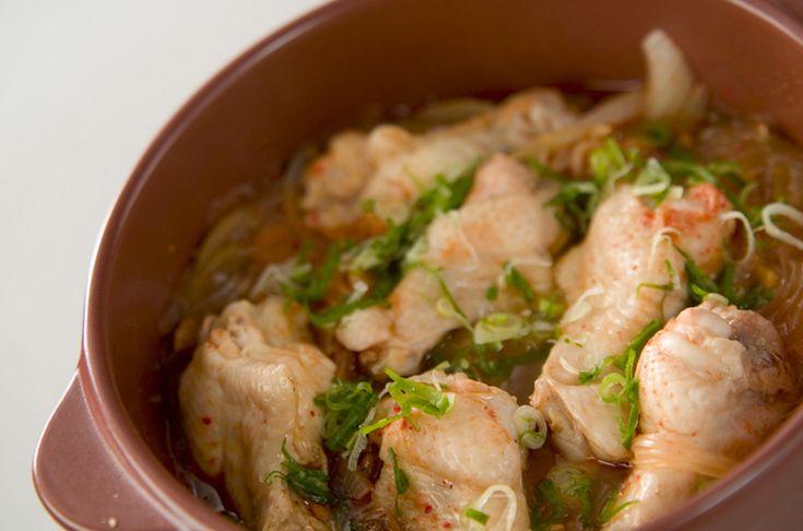 土鍋で作るので、鶏肉がふっくらします!チキンピリ辛・土鍋蒸[中華/蒸しもの]2004.02.18公開のレシピです。