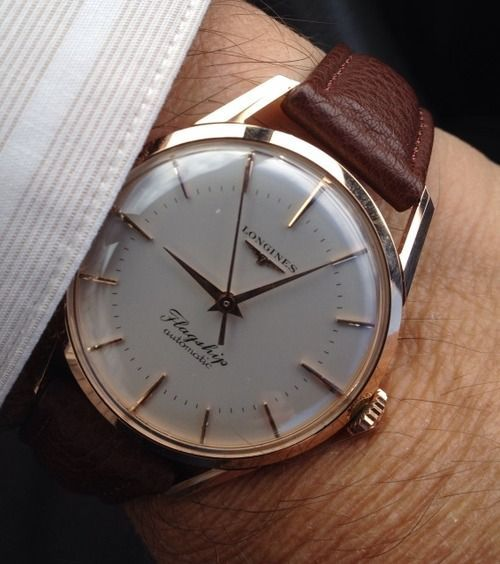 Stunning Vintage Longines Flagship Automatic Dress Watch In 18K Solid Gold Circa 1950s