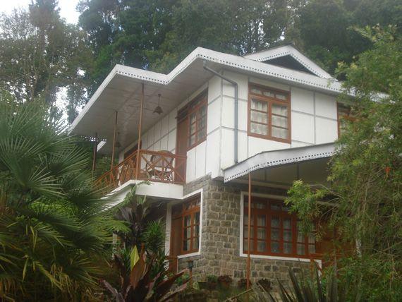 Teen Taley Eco Garden Resort is in walking distance from Rumtek Monastery.