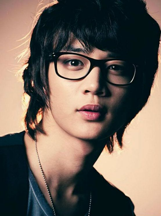 Choiminho with long hairstyles for Asian Men