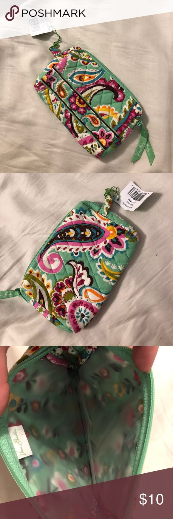 💚 Vera Bradley Small Cosmetic Bag NWT 💚 Tutti Frutti Fabric Small Cosmetics Bag, also would be great for toloetries on vacation. Brand New and as cute as can be! Vera Bradley Bags Cosmetic Bags & Cases