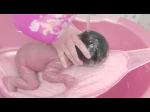 Yeni Doğan Bebek Banyosu (Bebek Nasıl Yıkanır)