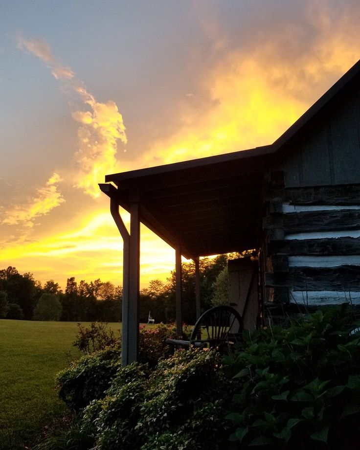 "1,859 Likes, 41 Comments - Penny/Happy Days Farm® (@happydaysfarm) on Instagram: ""Beautiful evening sky."""