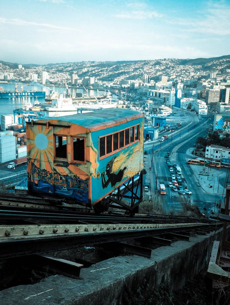 Furnicular in Valparaiso - by Mauro Bravo