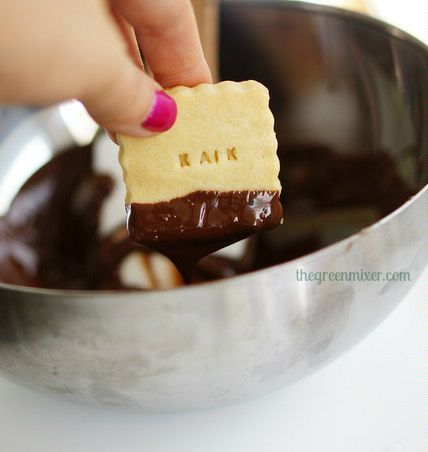 shortbread dipped in chocolate1