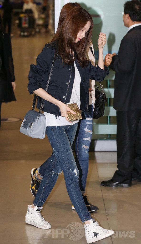 日本ツアー「GIRLS' GENERATION ~LOVE&PEACE~ Japan 3rd Tour 2014」の広島公演を終え、韓国・仁川国際空港(Incheon International Airport)に帰国したガールズグループ「少女時代(Girls' Generation、SNSD)」のメンバー(2014年5月8日撮影)。(c)STARNEWS ▼14May2014AFP|少女時代、広島公演を終えて韓国へ帰国 http://www.afpbb.com/articles/-/3014848 #Incheon_International_Airport #Girls_Generation #SNSD