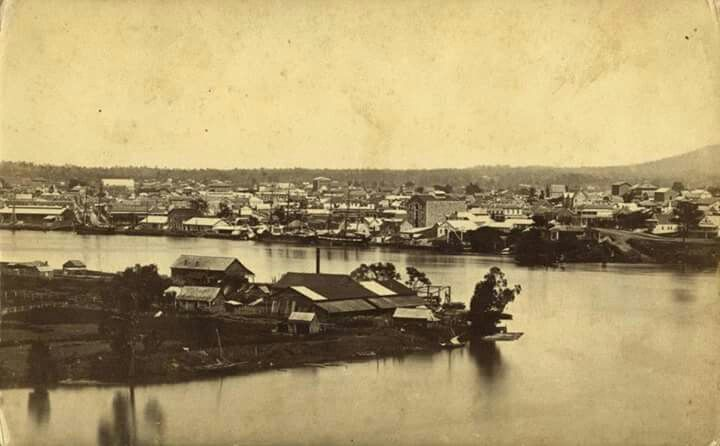 Kangaroo Point and Brisbane Wharves in Queensland in 1870.
