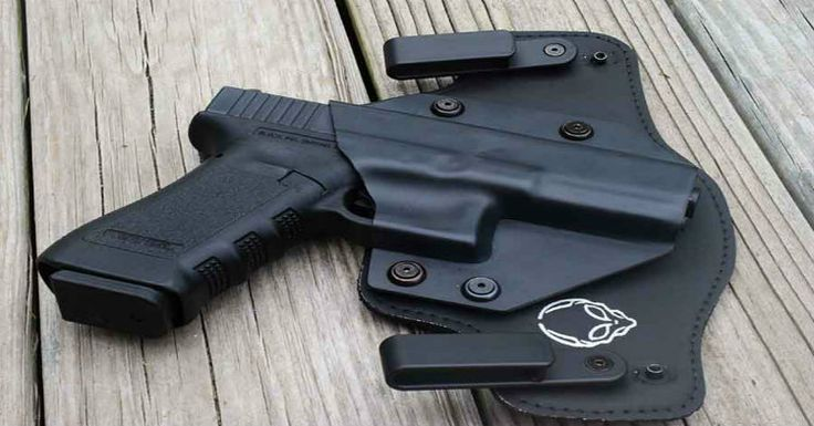 choosing a concealed carry holster - best concealed carry holsters Alien-Gear-cloak-tuck-2