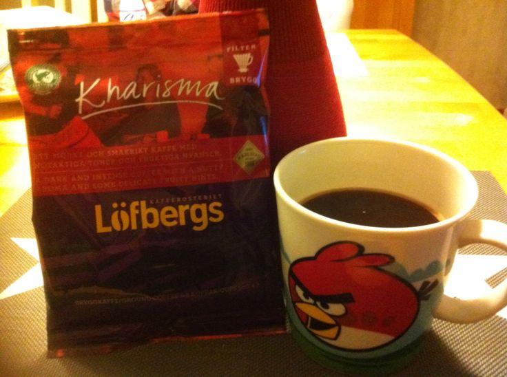 Testissä Löfbergin tummapaahtoinen kahvi.Hyvin lähti päivä käyntiin! #Löfberg #smartson
