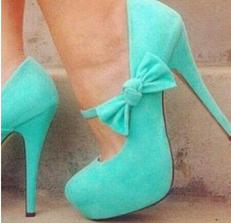 Bow heels Love the color