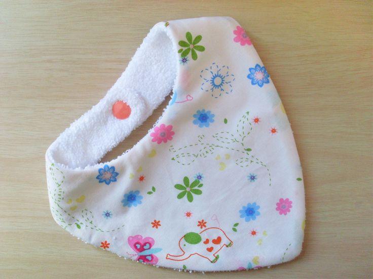 Bavoir bandana anti bavouille de bébé, motif éléphant & cie : Mode Bébé par zekoualamachine