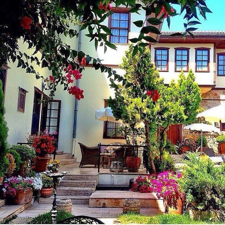 Antalya Kaleiçi'nde büyüleyici bir tarihi otel  @tuvana_hotel Sırf deneyimlemeye gidin kalın! Fiyatı çok özel 2 kişi 179 TL kahvaltı dahil. Oteli gör  www.kucukoteller.com.tr/tuvana-otel・・・ Charming boutique hotel in old town, #Antalya.  #nam_travel #beautifulhotels #myvillas#uniquehotels #smallhotels #TLPicks#kucukotellertuvana #myhotels #luxwt#luxuryworldtraveller #turkey  #vacation#holiday #travel #wishyouwerehere #wanderlust#boutiquehotel #luxury #relaxing #travelgram#instatravel