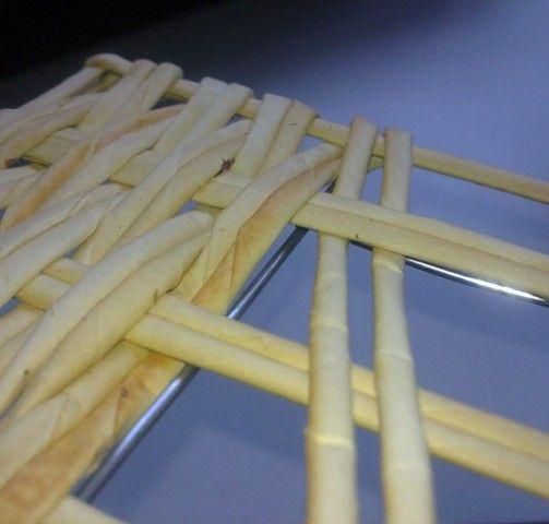 Здравствуйте! Хочу поделиться с Вами идеей Как можно сделать квадратное армированное дно ситцевым плетением почти любых размеров... К стати... Дно может быть и прямоугольное, и ...