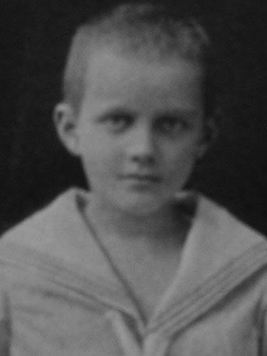 """manfred von richthofen """" der rote baron ´´ as a child"""