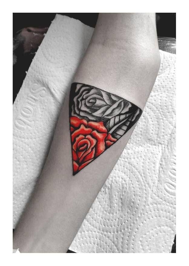 rosa tattoo rosas