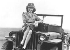 Photographer Constance Stuart Larrabee, shown here in a photograph from 1945, was the first female war correspondent for South Africa during World War II.