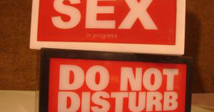 Como utilizar remédios caseiros para aumentar a libido feminina. Uma baixa libido feminina pode ser causada por uma série de fatores, incluindo estresse, falta de exercícios, uma dieta pouco saudável, certas medicações e hormônios. Antidepressivos podem baixar sua libido e fazer com que seja difícil ficar excitada. Baixa libido pode prejudicar seu casamento, uma vez que o sexo ocupa uma parte importante em ...