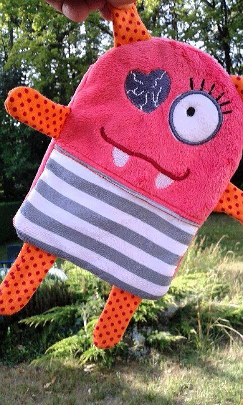 Doudou plat petit monstre Coeur Création Unique Orange : Jeux, jouets par la-couture-est-dans-le-pre