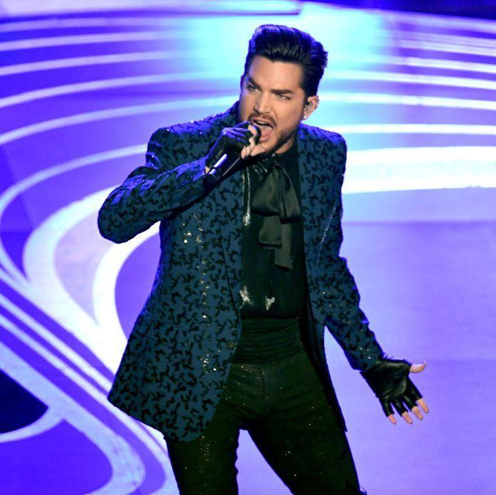 Twitter Had Feelings About Adam Lambert S Queen Tribute Performance Adam Lambert Onstage Adams
