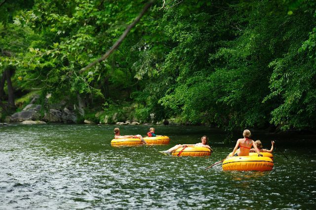 Cabin Rental Adventures, tubing, whitewater rafting, cabin rental, Cades Cove, Great Smoky Mountains, Pigeon Forge, Gatlinburg, attractions