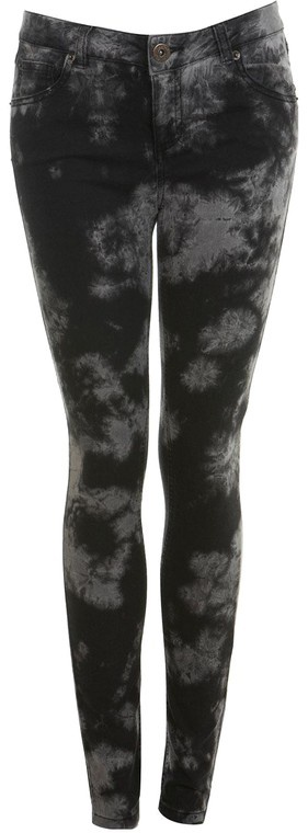 "Dark Tie Dye Skinny Jeans - LOVE! But I don't think I can pull off the ""skinny jeans"" look haha.."