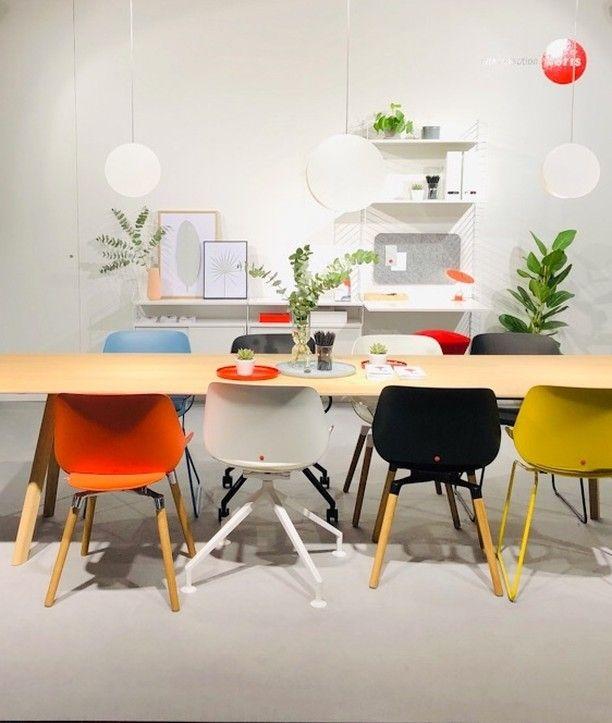 Designstuhl Numo Uberrascht Mit Seinem Speziellen Bewegungsmechanismus Der Stuhl Bringt Eine Ganz Neue Bewegung Ins Sitzen Haus Deko Sitzen Esszimmerstuhle