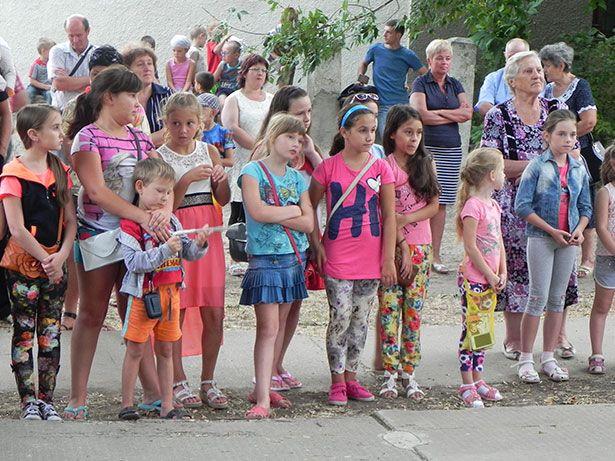 #Бердянск Жители Военного городка отметили 60-летие своего поселка http://gorod-online.net/news/zhizn/5203-zhiteli-voennogo-gorodka-otmetili-60-letie-svoego-poselka