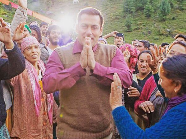 Kabir Khan shares a picture of Salman Khan from the sets of their upcoming movie 'Tubelight' in Manali. Check out the picture here.