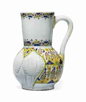 A KUTAHYA POTTERY JUG OTTOMAN TURKEY, 18TH CENTURY