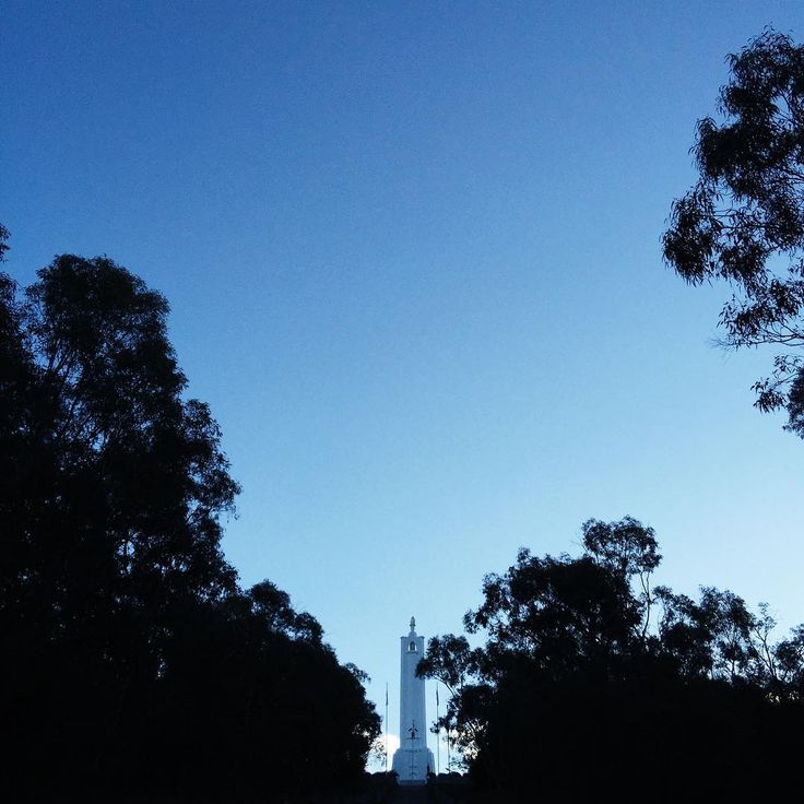 Monument Hill, Albury via @leysaflores #photography #VSCOcam #scenery