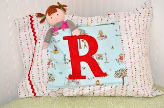 Couturier Mommy: Pillowcase Tutorial