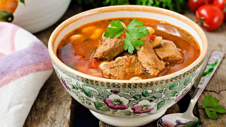 """Рецепт борща.  Борщ - любимый суп, путь к сердцу мужчины, сытный и вкусный суп. Рецепт рекомендуется в рамках программы """"Правильное питание"""" диетологом и основателем «Клиники красоты и здоровья НАТУРЭЛЬФ» - Светланой Титовой."""
