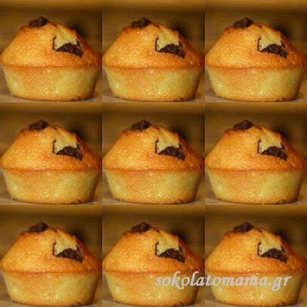 Πανεύκολα vanilla muffins ! |