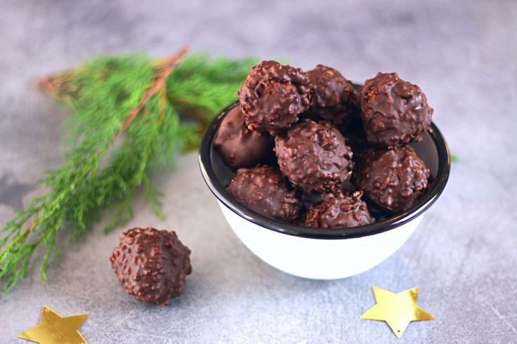 Truffes croustillantes chocolat au lait, passion et pralin - Crispy Chocolate and passion fruit Christmas Truffle The Happy Cooking Friends