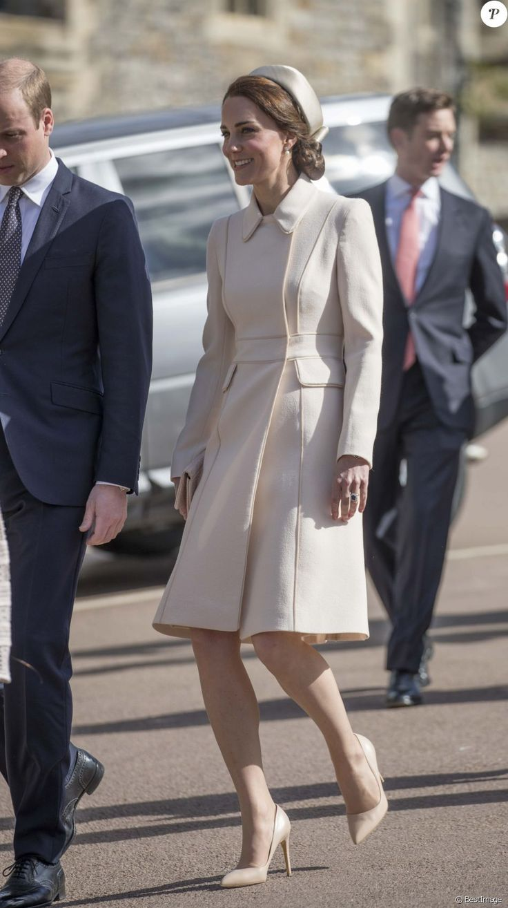 Catherine Kate Middleton, la duchesse de Cambridge et son mari le prince William, duc de Cambridge - La famille royale britannique assiste à la messe de Pâques à la chapelle Saint-Georges de Windsor, le 16 avril 2017