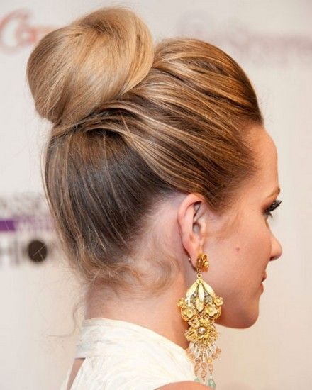 Hilary Duff's Casual Updo Hairstyle | Hairstyles, Easy Hairstyles For Girls