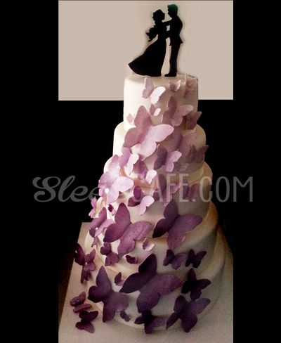 Wedding Cake by sleekcafe.com #wedding #cake #sugarflower #sugar #flower #flowerpaste #sleekcakes #sleek #cakes #sugar #rose #roses #savona #italy