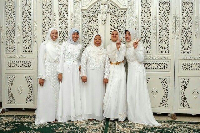 Gaun putih lace prada,  made by order