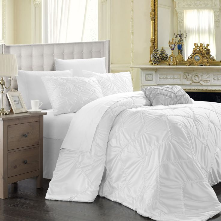17 Best Images About Bedding For Home Staging On Pinterest