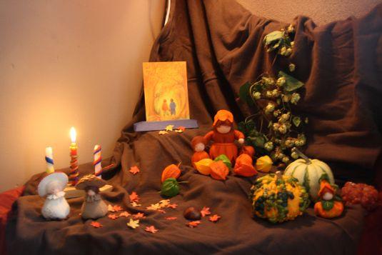Seizoenstafel september, nature table, pumpkins, pompoenen
