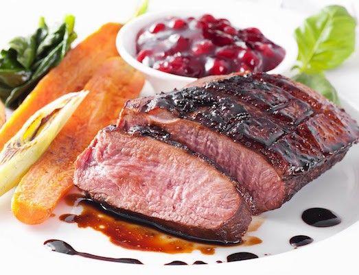 Как приготовить вкусные блюда из оленины?