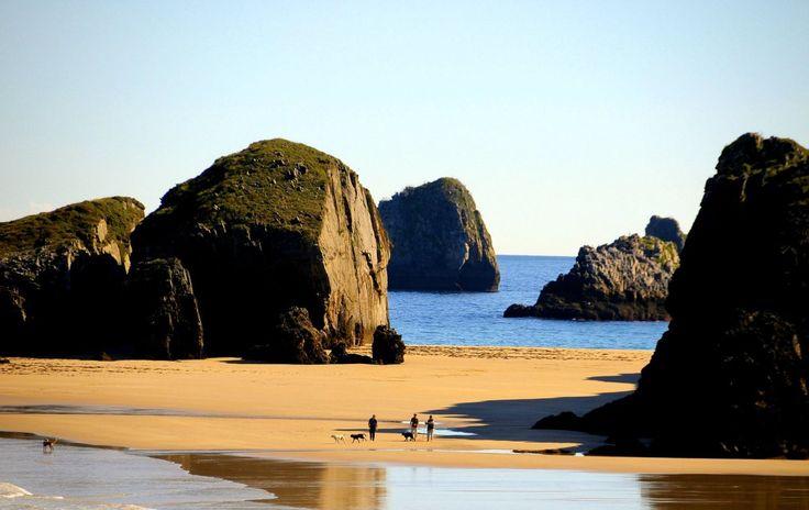 ♫ Asturias Patria querida, Asturias de mis amores, quien estuviera en Asturias, en todas las ocasiones...♫ 1º.- Somiedo... Cuatro costados de belleza 2º.-Villaviciosa... ♫ Hermosa, Que llevas den...