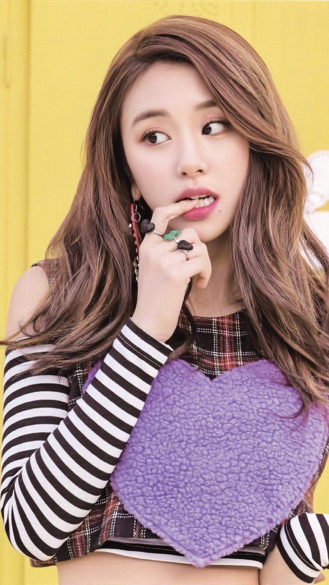 Eu amo esse photoshoot/2 Knock Knock era tem um visual perfeito ♡ Chaeyoung>>>>