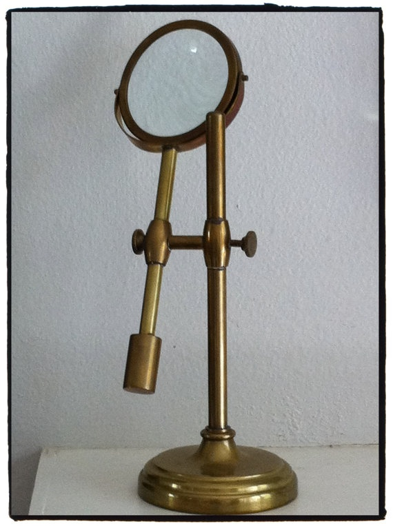 how to make a microscope with magnifying glass